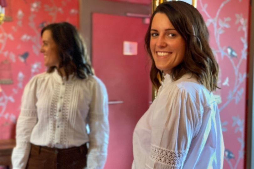 Manon découvre la collection lingerie et vêtement Charlott'